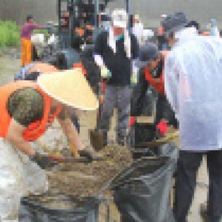 メディア掲載情報:FNN仙台放送「スーパーニュース」 2012年07月15日(日)放送。オペレーション・ブレッシング・ジャパンの養殖用いかだの土俵作りに関するニュースが放映。