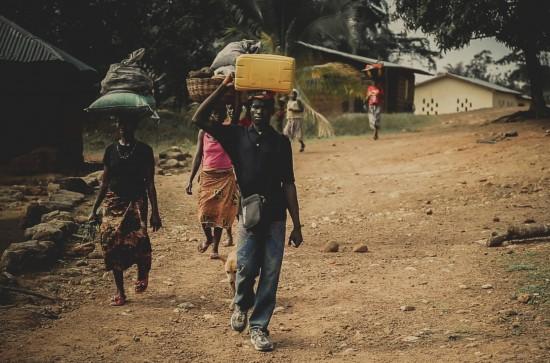 ペレワンフン村の人々