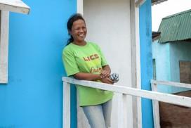 オペレーション・ブレッシングはフィリピンの台風被災者に住宅を寄贈しています。