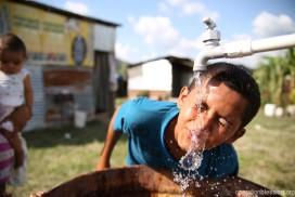 オペレーション・ブレッシングは、ホンジュラスのヌエバ・エスペランサ村に水道を引きました。