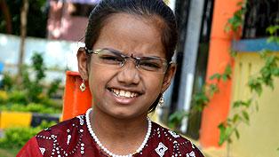 オペレーション・ブレッシング・インドはHIVに感染した少女を保護し、治療と教育を受けさせています。