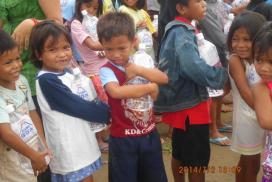 フィリピンの子供に日本から「安全な水」のプレゼント!