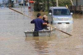 決壊した堤防・押し流された家 東日本豪雨災害支援