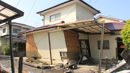 【熊本地震支援】たわむ道路、益城町での支援【現地レポート】