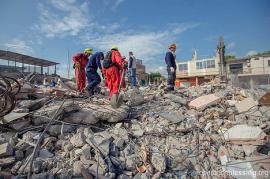 大地震に見舞われたエクアドル