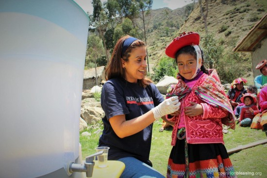 safe-water-cusco-helping-linda
