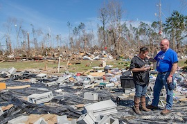 【米南部で巨大トルネード出現】アラバマ州で壊滅的被害